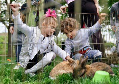 FPR-SpringFling2017-TwoGrils&Rabbits